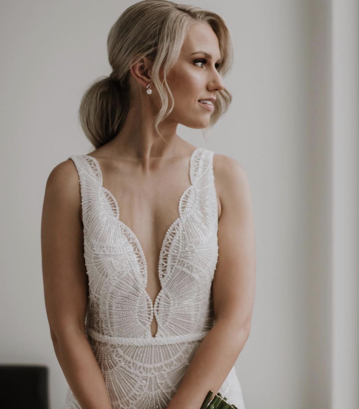 jeanette maree pearl bridal earring