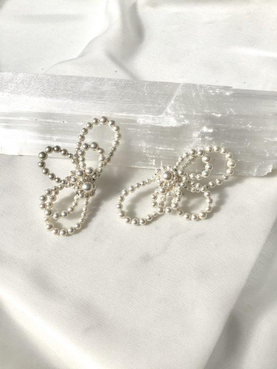 Modern Bridal Pearl Ear Cuff