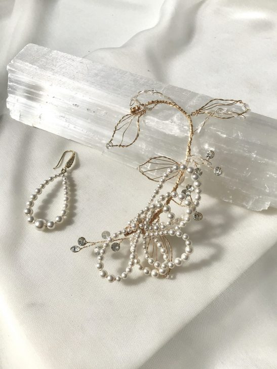 EC199 Modern Bridal Pearl and Gold Ear Cuff
