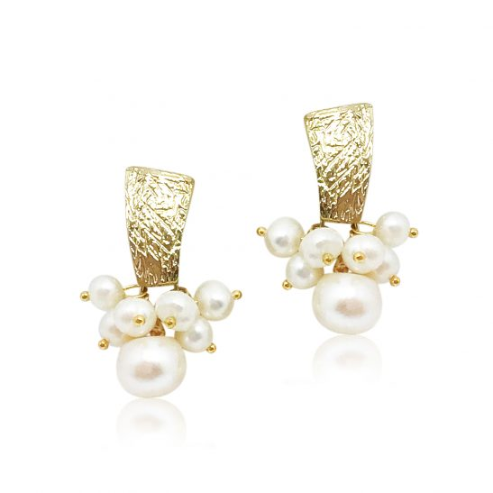 Hammered Gold and Pearl Bridal Earring