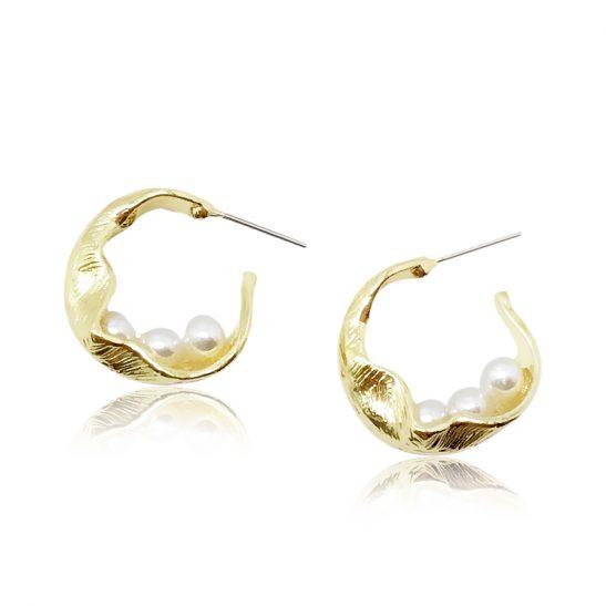 Pearl and gold wedding hoop earring