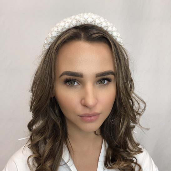 We adore this modern take on the classic pearl headband. Popular with both brides and race goers, it looks amazing set amongst soft loose waves, or wear it with hair up for a timeless look.